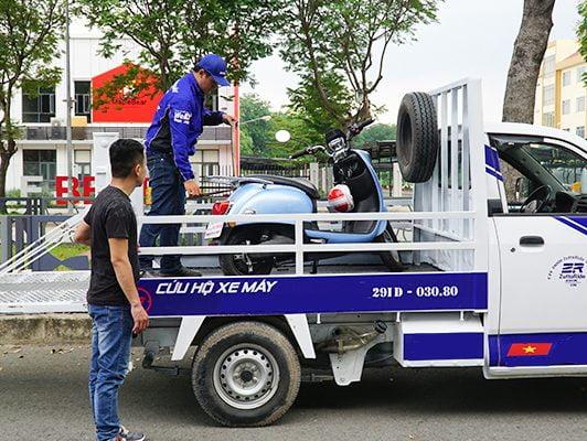 Đội Cứu Hộ Xe Máy Cầu Giấy TP Hà Nội Sửa Xe Tại Chỗ