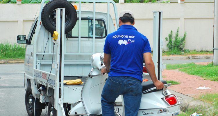 Đội Cứu Hộ Xe Máy Ba Đình TP Hà Nội Sửa Xe Tại Chỗ