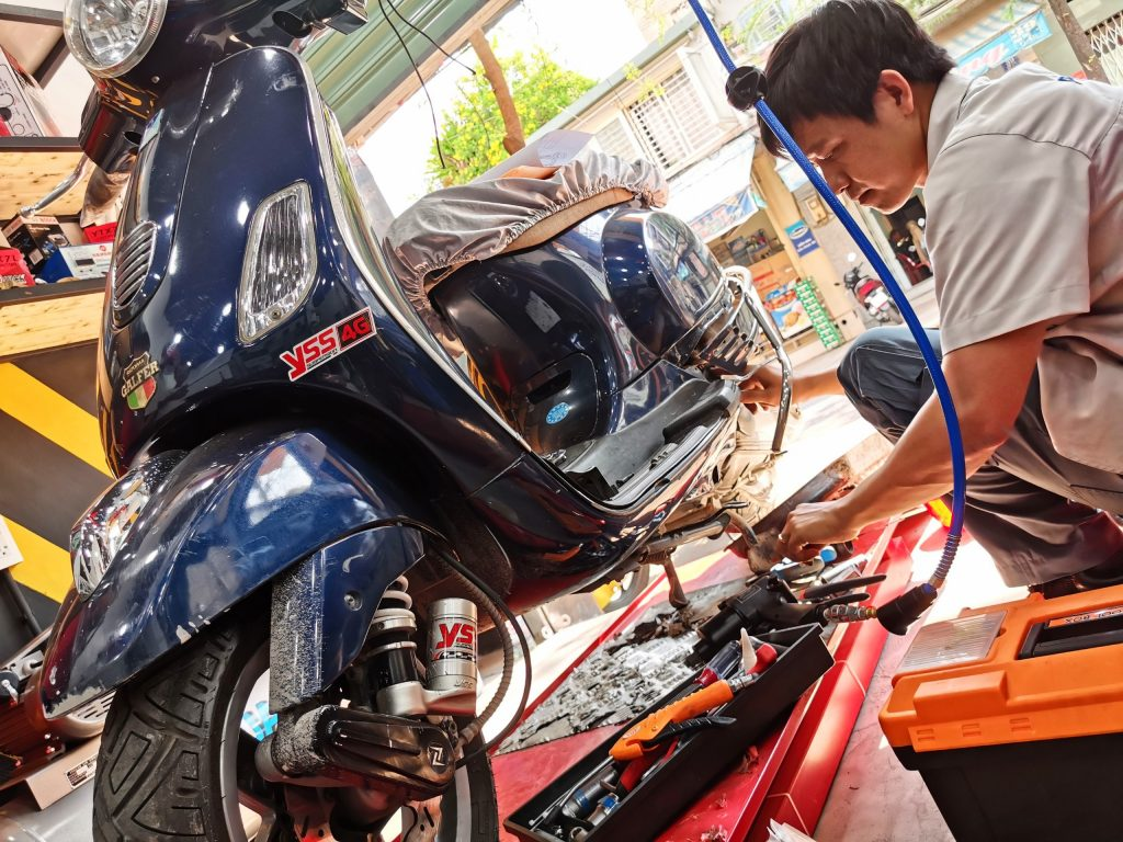 Sửa xe Vespa