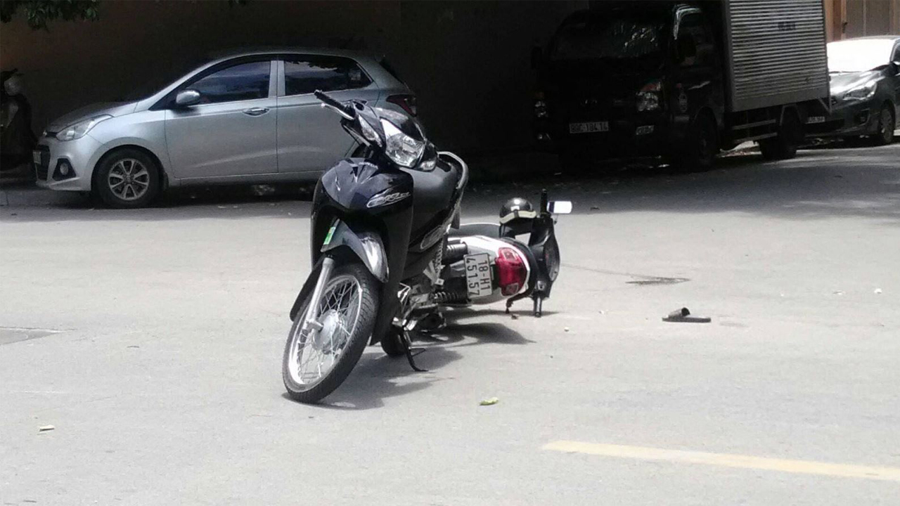 xe máy bị tai nạn